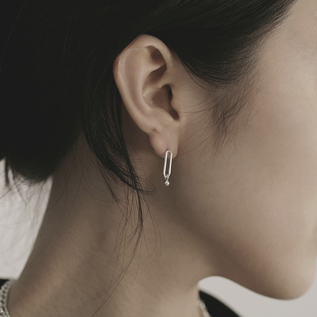 connect earring unbalance